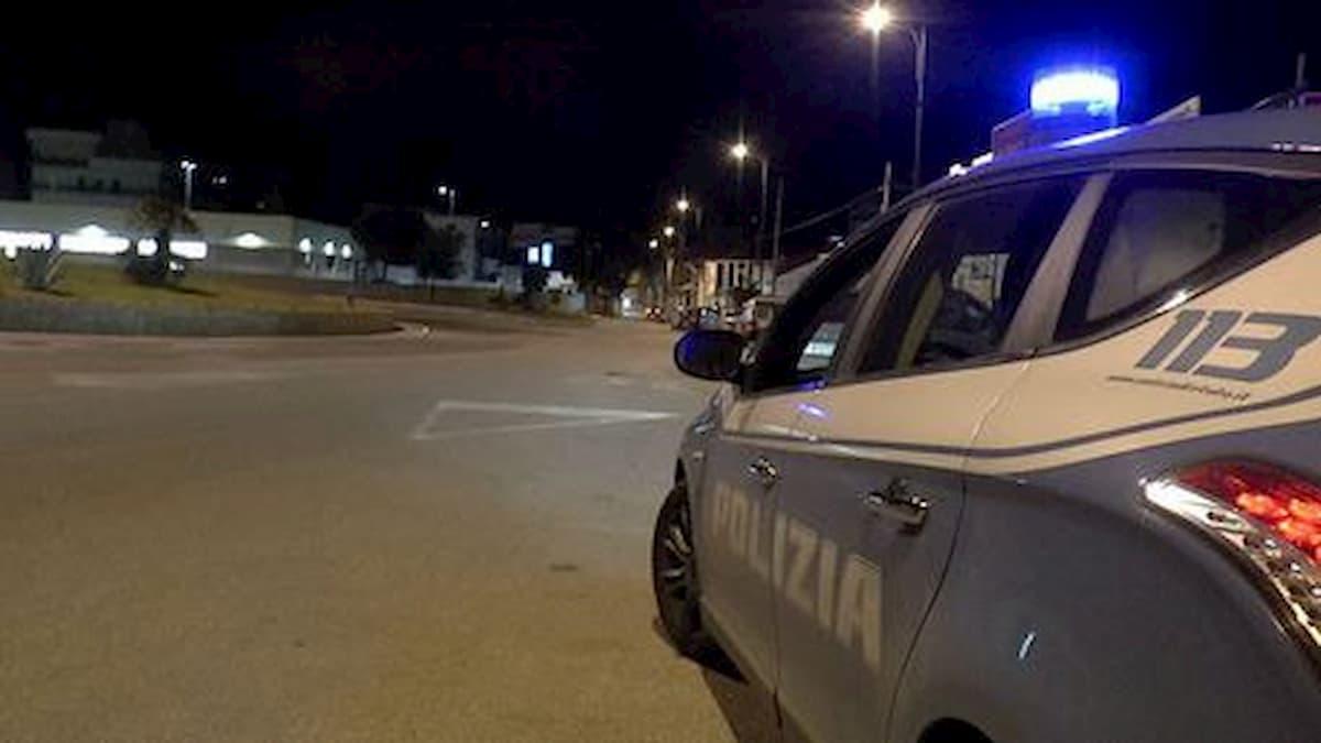 San Severo, poliziotto rimprovera ragazzi che fanno baccano e viene aggredito