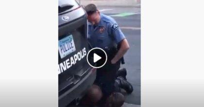 Minneapolis (Usa), morte in diretta VIDEO di un nero soffocato da un poliziotto