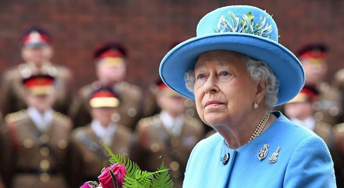 Regina Elisabetta in isolamento fino al termine dell'epidemia