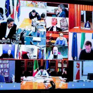 "Governo Conte abdica ai Governatori mercanti, De Luca svela re nudo. Art 1 Protocollo: ""Arrangiamoci"""