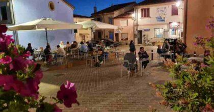 Rimini: ristorante Retroborgo può mettere più tavolini fuori, il vicino glieli ribalta con l'auto