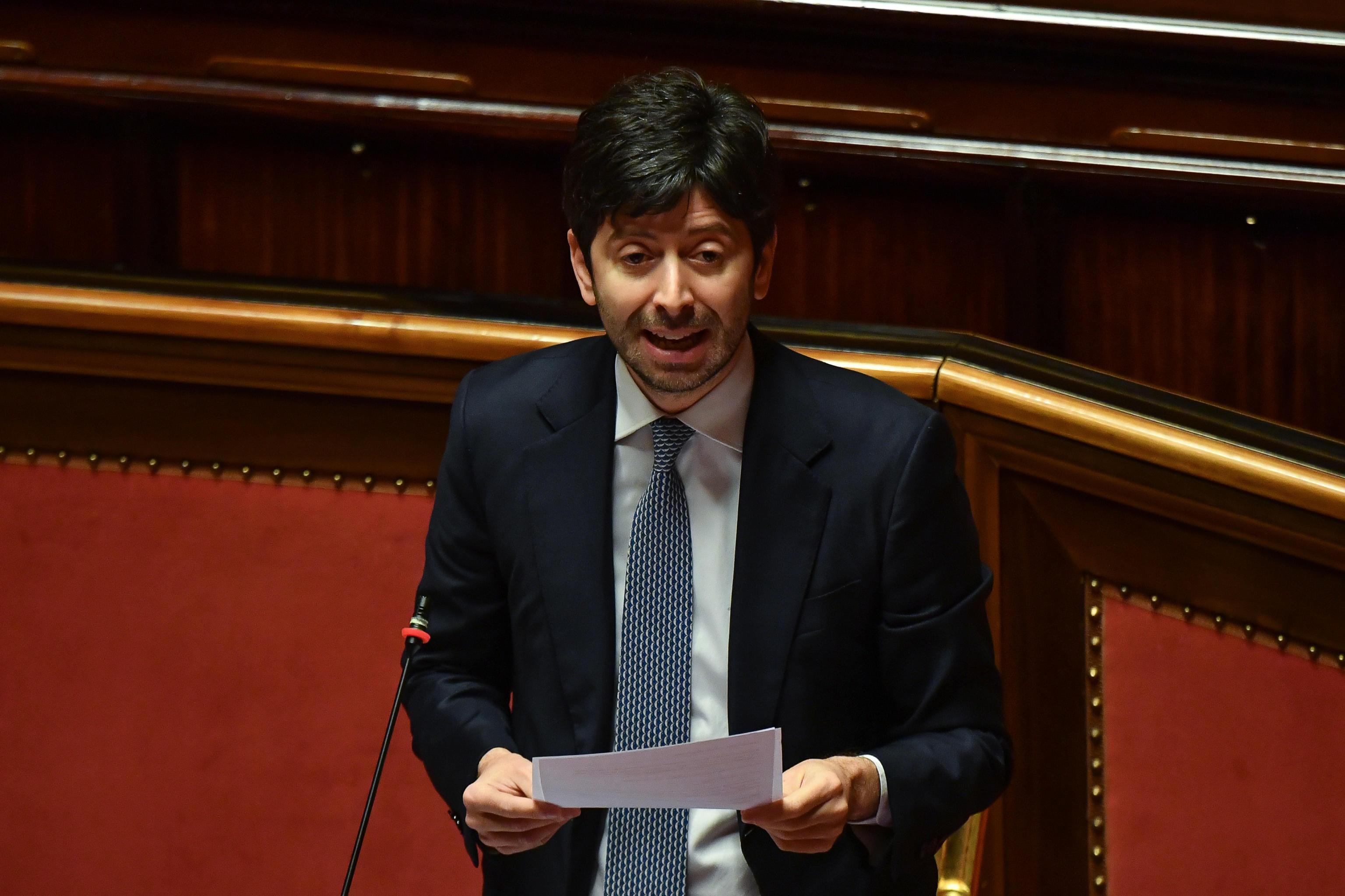 Dl Maggio Speranza, ministro chiede 3 miliardi di euro per la sanità