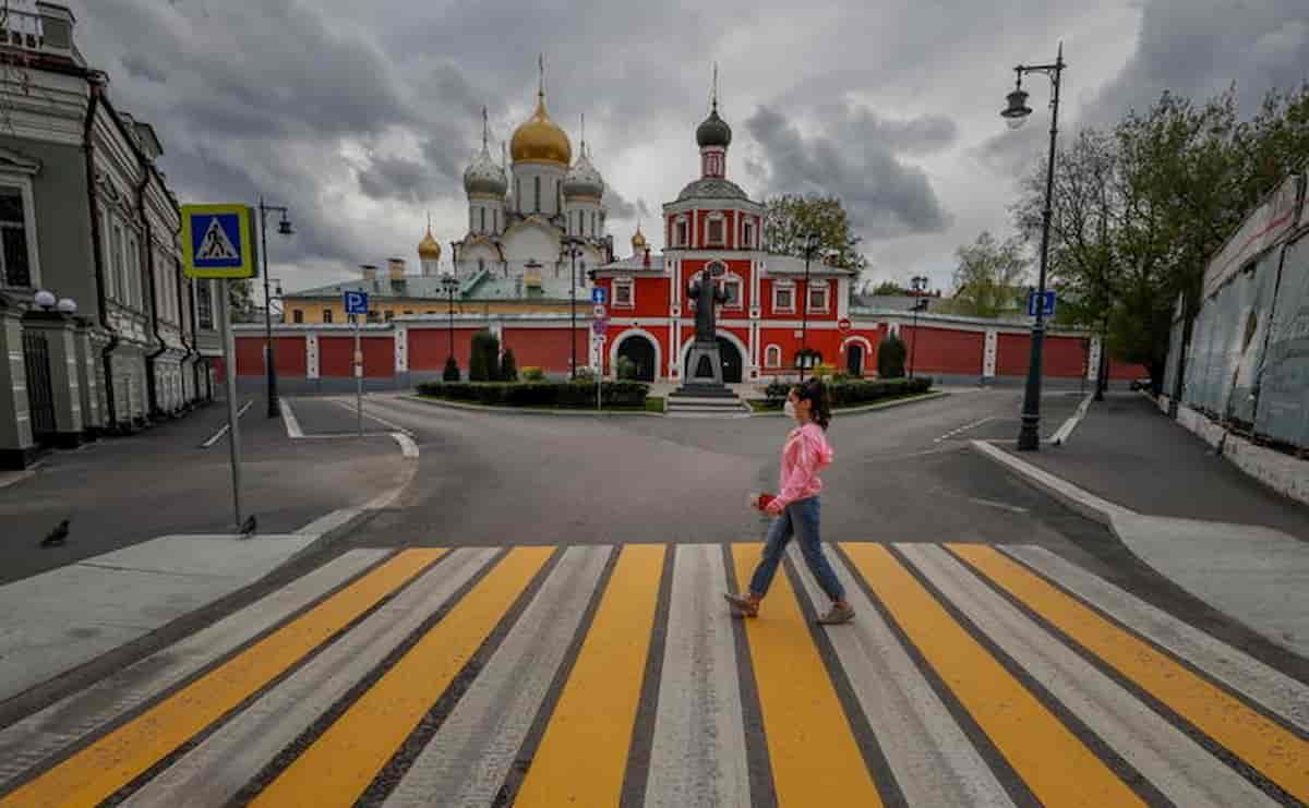 Russia, 17enne e 18enne aggredite per strada in Siberia. Ma c'era lockdown, rischiano la multa