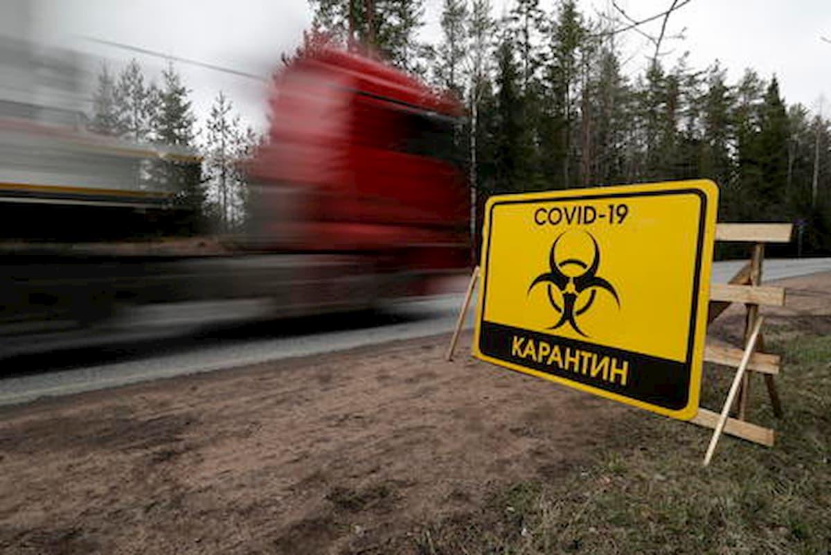 Coronavirus, in Russia operatore sanitario precipita dalla finestra: è il terzo caso in poche settimane