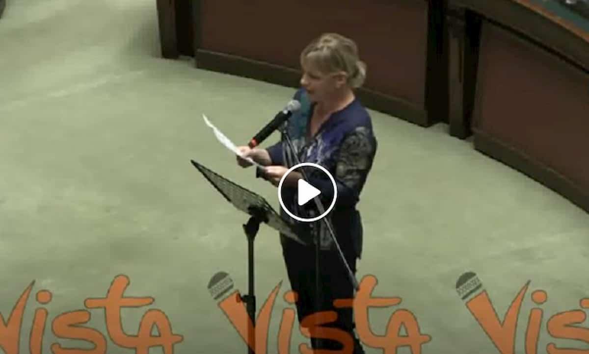 """Sara Cunial contro Mattarella e Conte """"epidemia culturale del Paese"""". Vilipendio? VIDEO"""