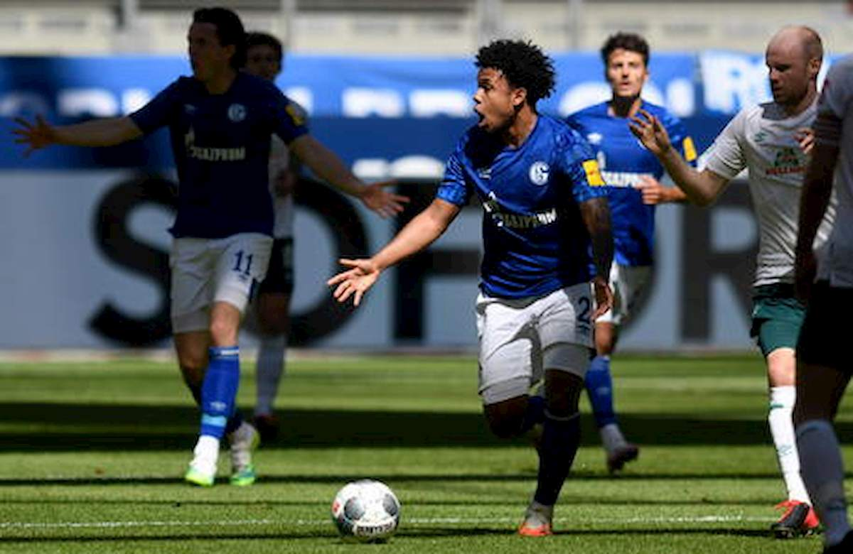 Schalke 04, Weston McKennie fascia contro la morte di George Floyd