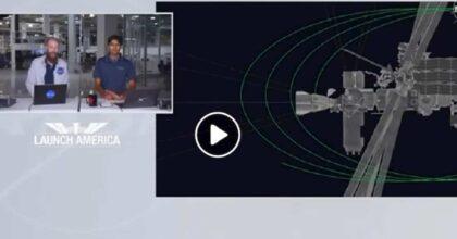 SpaceX, Crew Dragon di Elen Musk arriva all'Iss: VIDEO aggancio in diretta