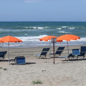 spiaggia foto ansa