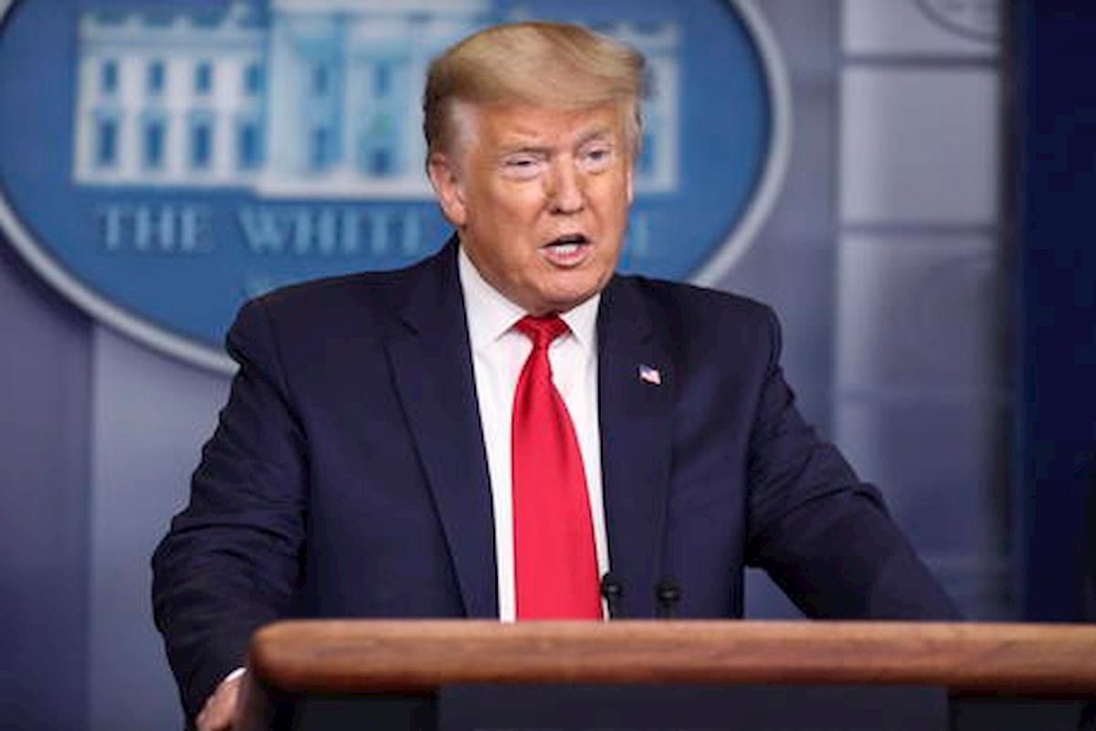 """Trump: """"Il primato Usa nei casi di coronavirus? Lo considero un onore"""". Anche i morti?"""