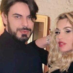 """Valeria Marini tradita dal fidanzato? Emanuela Tittocchia: """"Ci siamo baciati"""""""