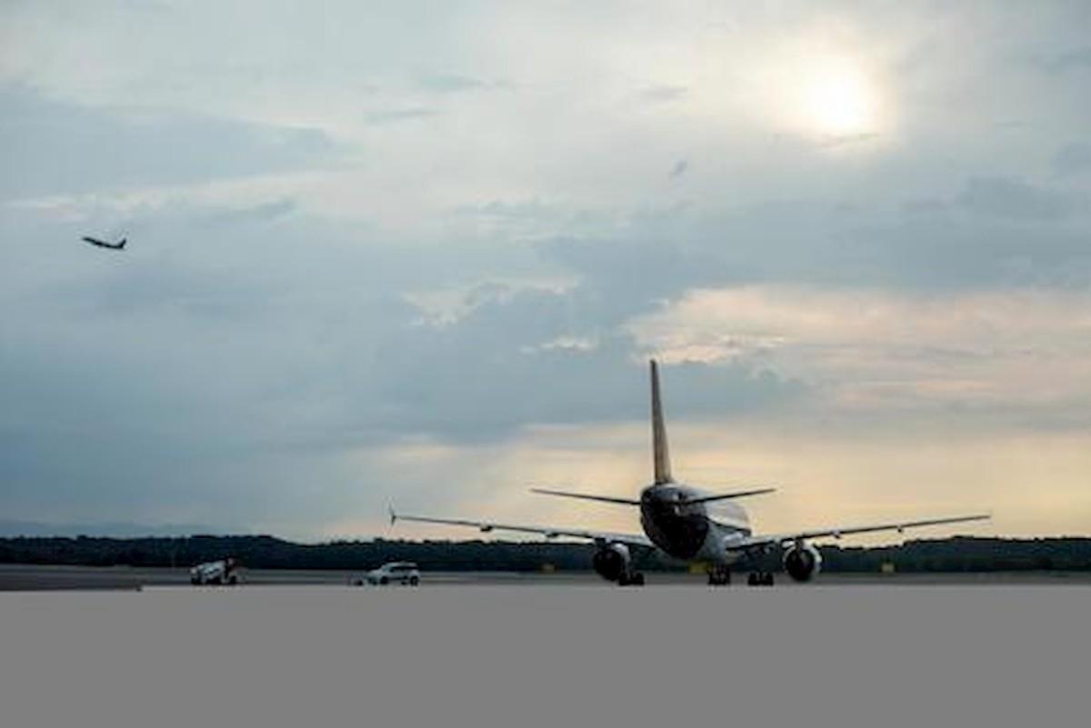 Coronavirus, Spagna riapre a voli e traghetti dall'Italia. Ma restano i 14 giorni di quarantena