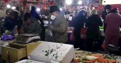 """Coronavirus, Pechino: """"Il mercato di Wuhan non è stato l'epicentro della pandemia"""""""
