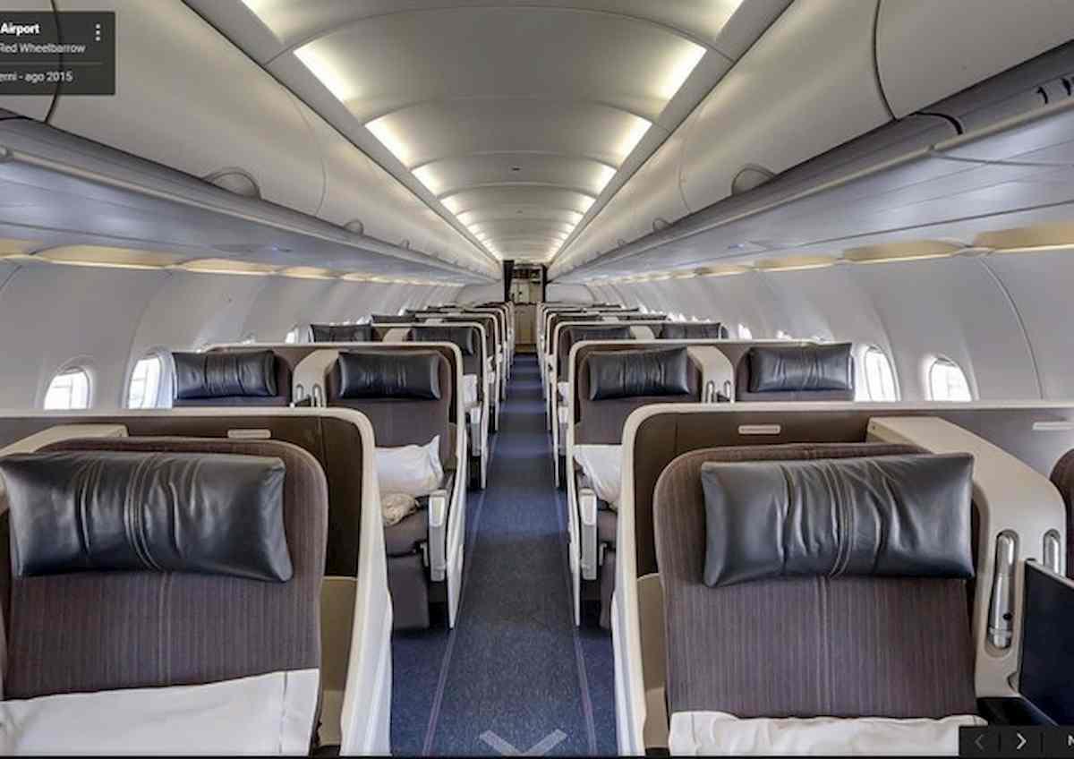 interno di un aereo ansa