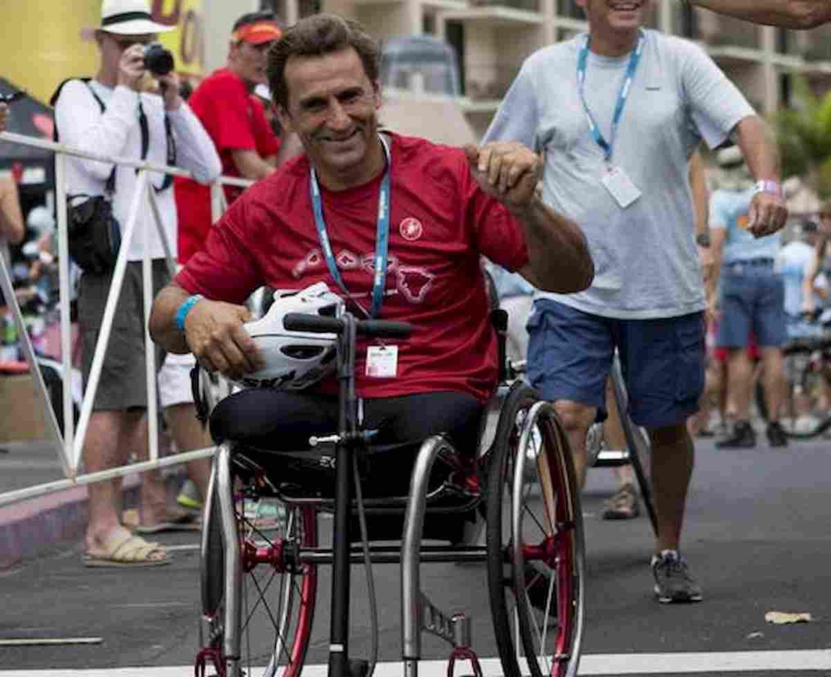 Alex Zanardi, forse buca nell'asfalto gli ha fatto perdere il controllo della handbike