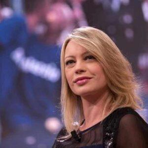 """Anna Falchi torna in tv: """"Vivo di rendita. Ma ho un rimpianto"""""""