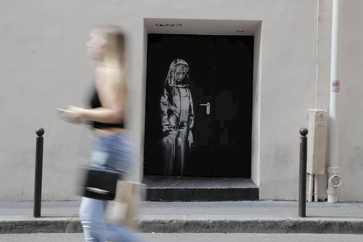 Teramo, ritrovata in Abruzzo la porta del Bataclan col murale di Banksy rubata nel 2019