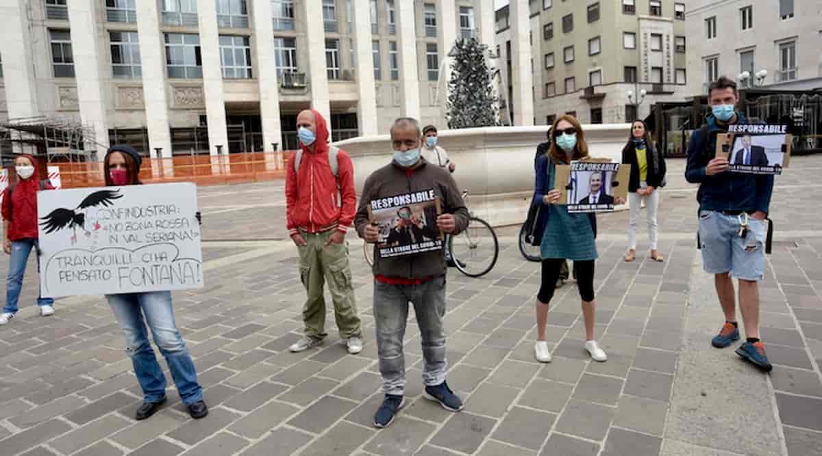 """Bergamo, fioccano denunce. Familiari vittime Covid: """"Contro i politici bugiardi, non i sanitari"""""""