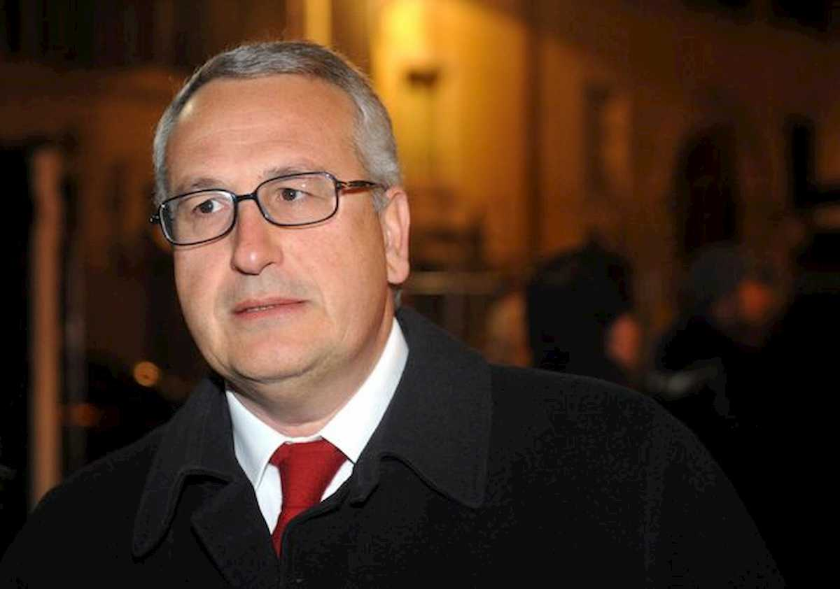 """Bobo Craxi dimesso dall'ospedale: """"Col naso rotto, ma in piedi"""""""