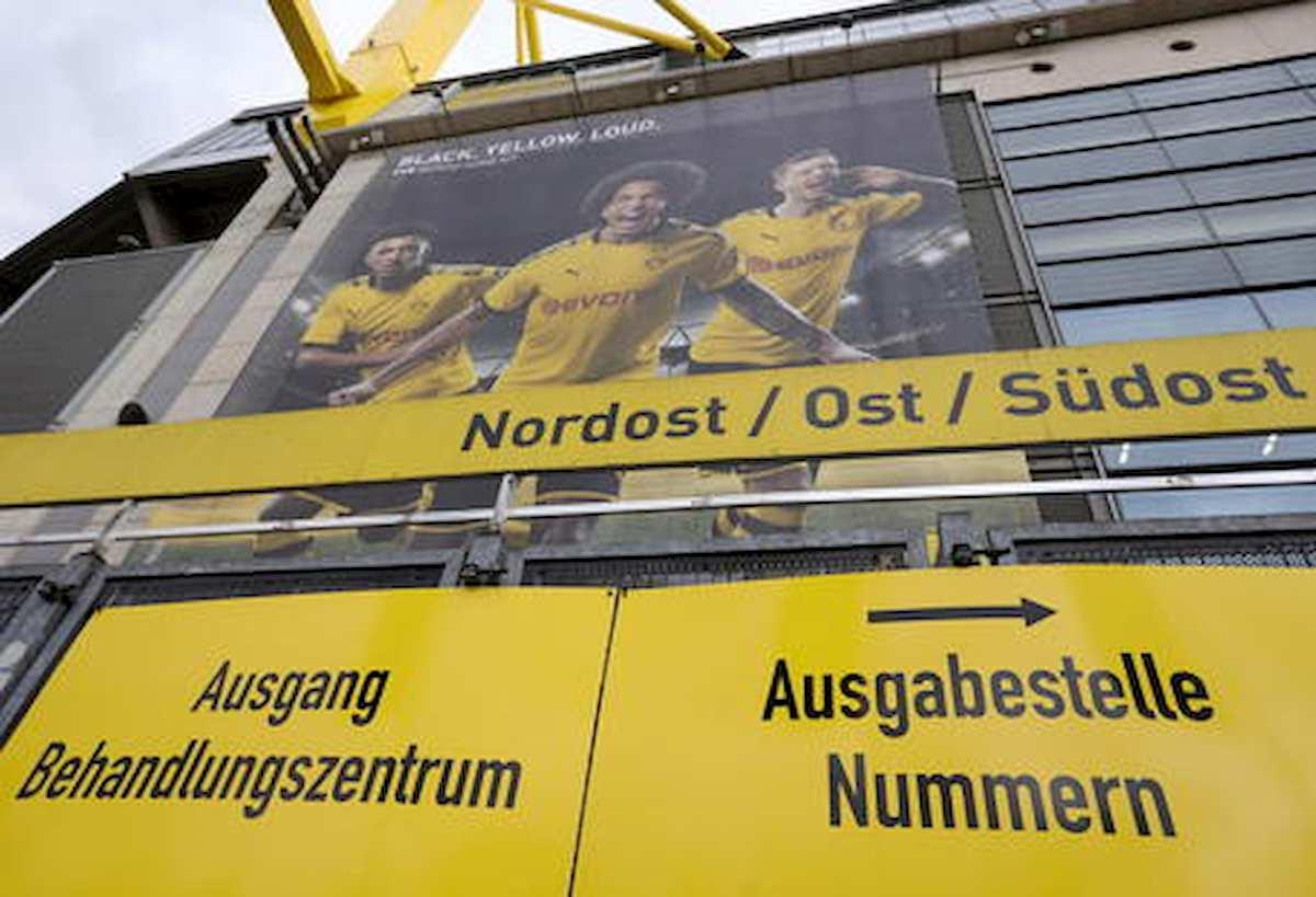 Borussia Dortmund, sei calciatori dal barbiere senza mascherina: protocollo violato