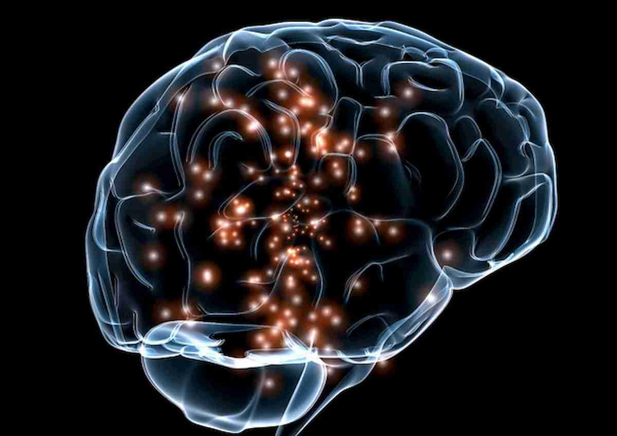 Coronavirus, non solo polmoni: rischio danni permanenti anche al cervello