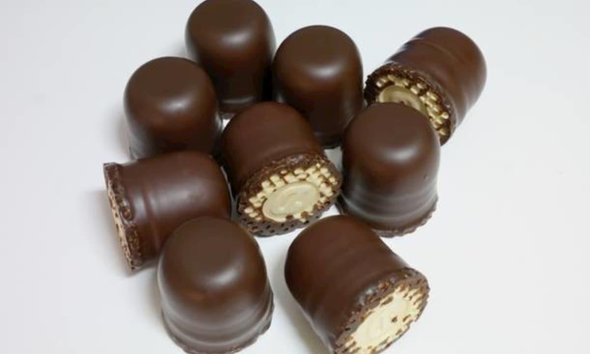 """Cioccolatini """"moretti"""" ritirati dai supermercati svizzeri perché sono razzisti"""