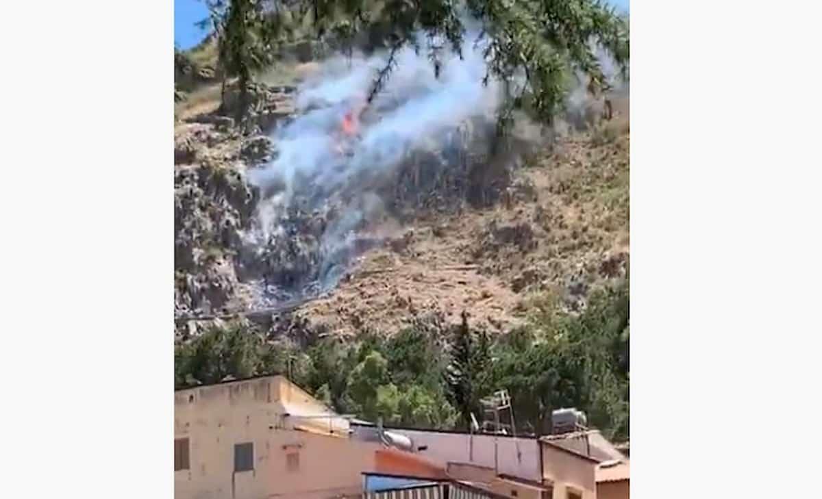 Tragedia a Palermo, elicottero precipita con due persone a bordo