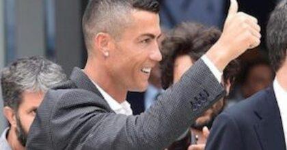 Francesco Salerno segna gol in rovesciata come Cristiano Ronaldo, il portoghese gli regala una maglia con dedica