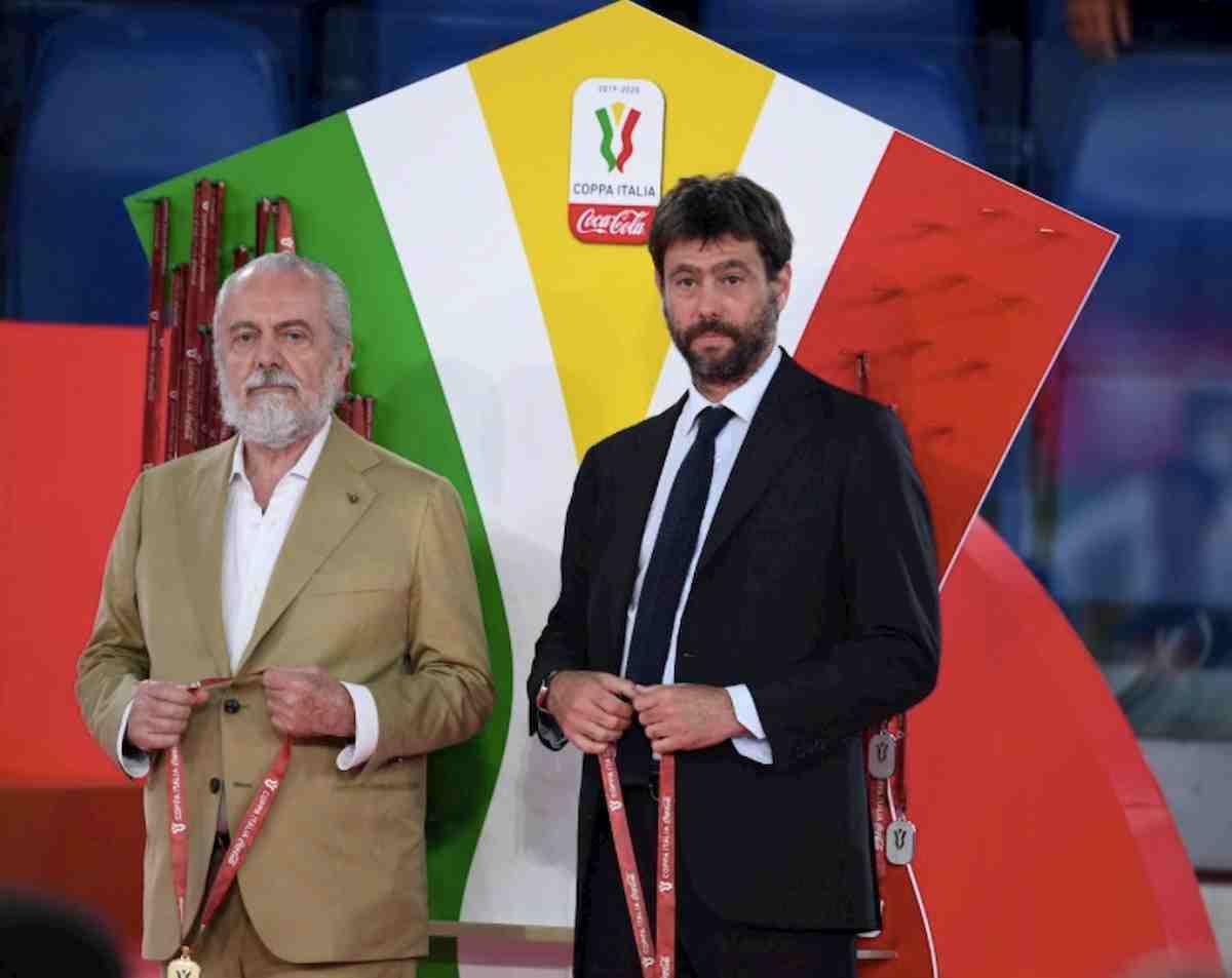 Coppa Italia al Napoli, la premiazione doveva essere fai da te ma De Laurentiis...