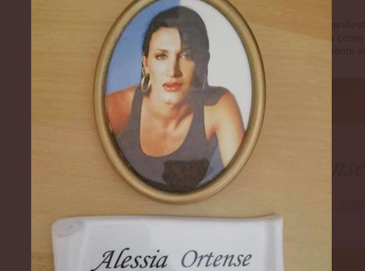 Pescara, Alessia Ortense muore, ma sui manifesti funebri resta il nome da uomo, Dino