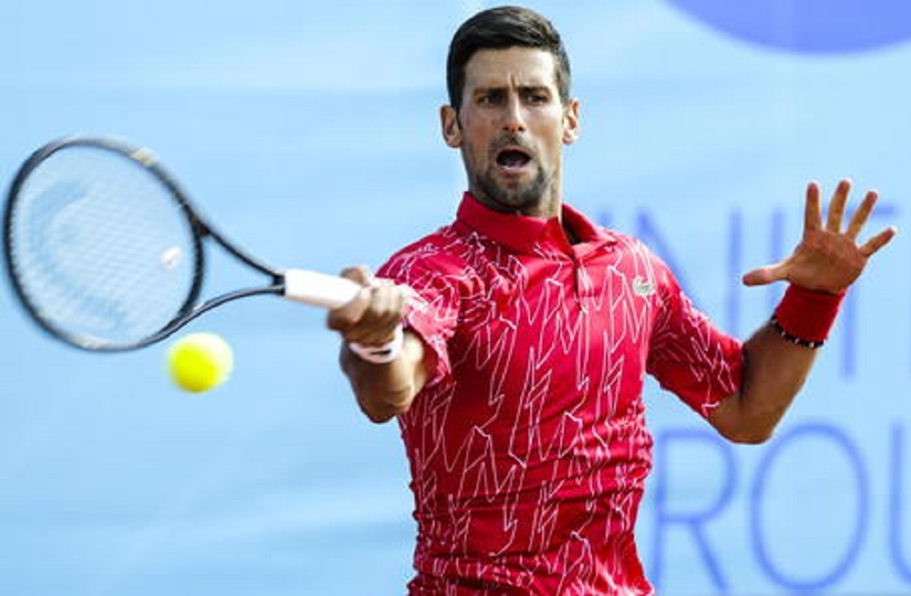 Djokovic in discoteca, poi il torneo, poi positivo...