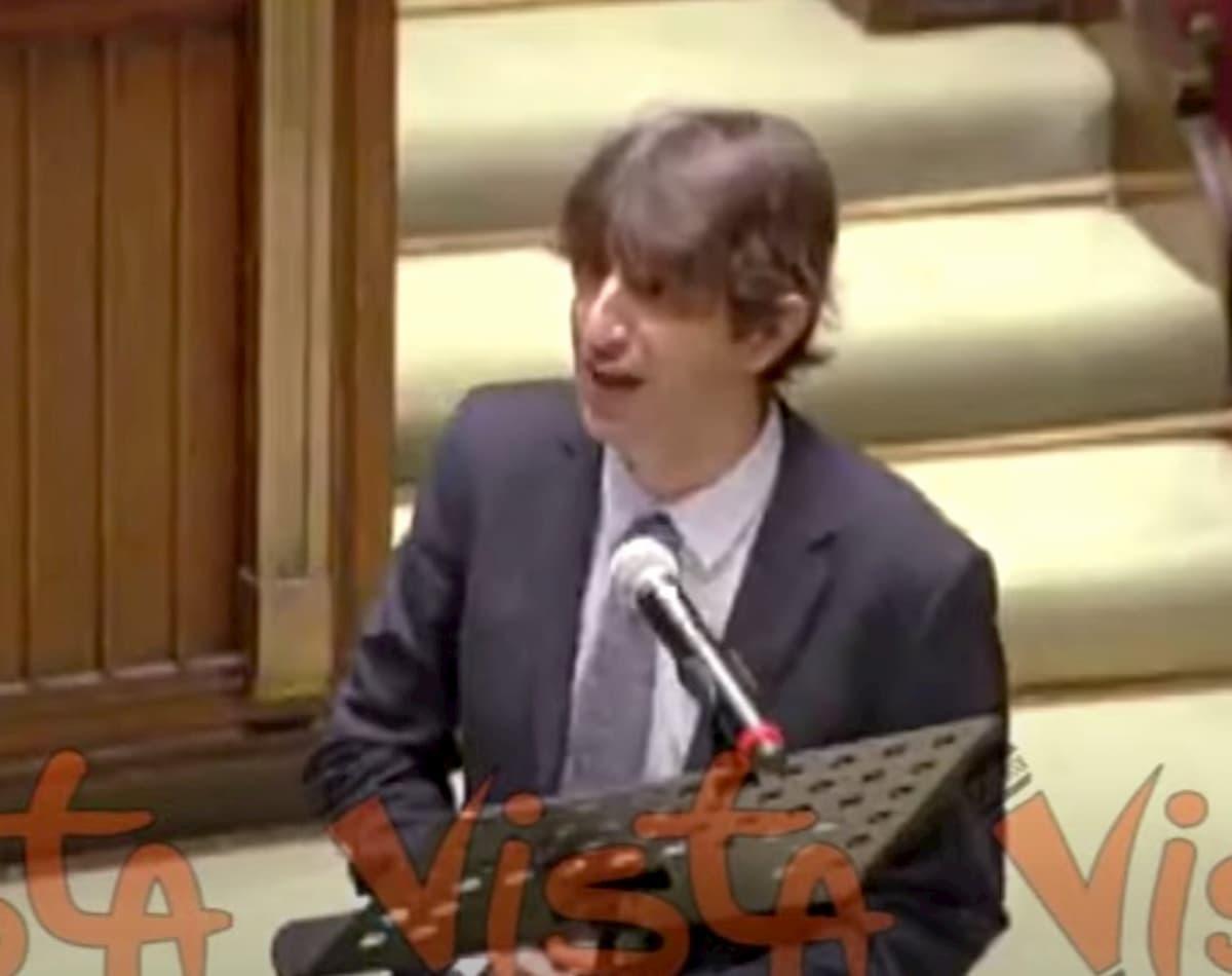 """George Floyd, Giovanni Donzelli (Fdi): """"Una sceneggiata inginocchiarsi in Aula"""" VIDEO"""