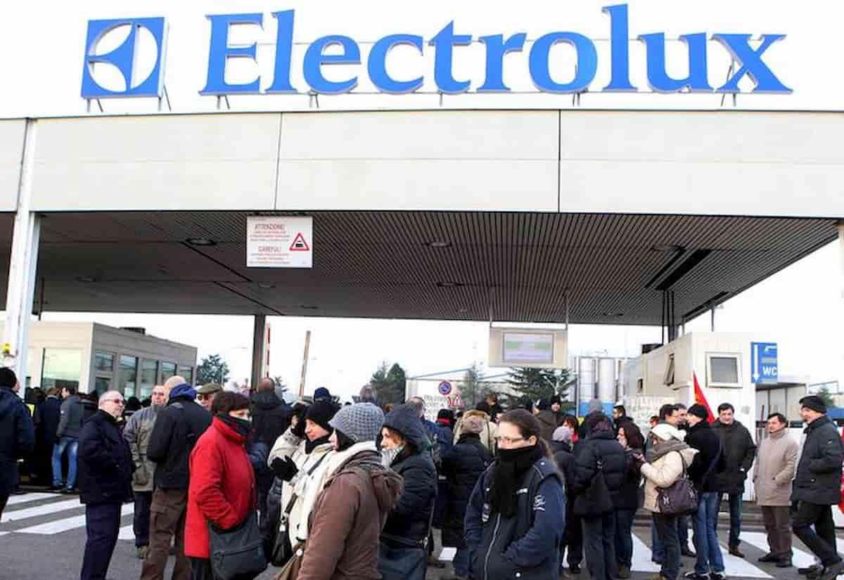 Ripresa? Boom richiesta frigoriferi: sindacati dicono no a straordinari. Il caso Electrolux