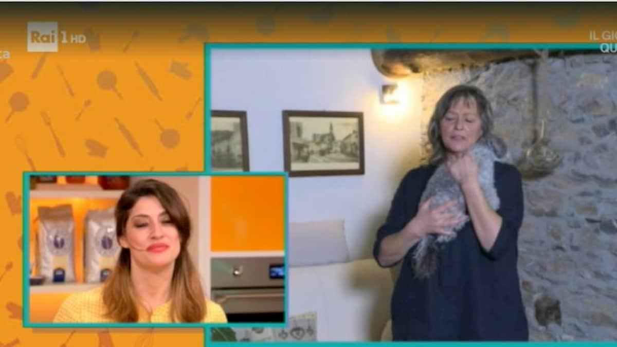 La Prova del Cuoco chiude, Elisa Isoardi lo ammette in tv. E piange con la madre