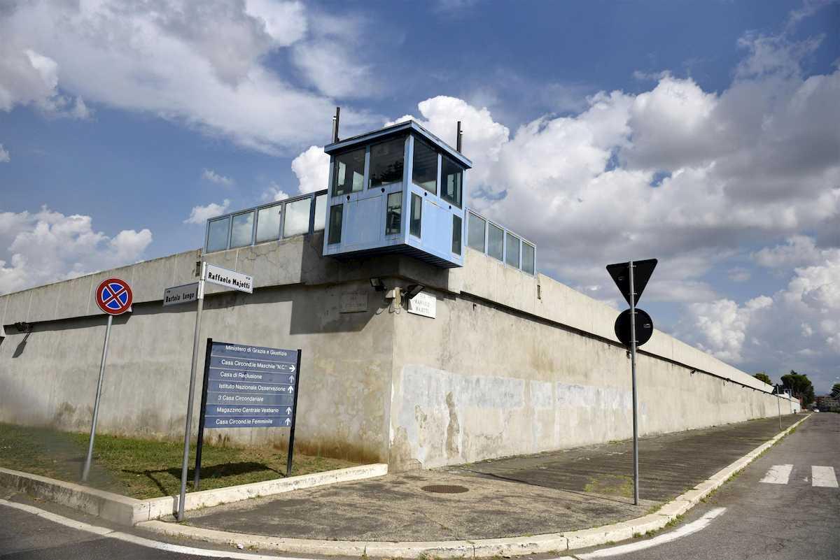 Evasione dal carcere di Rebibbia (Roma): due rom in fuga dopo aver scavalcato il muro di cinta 02