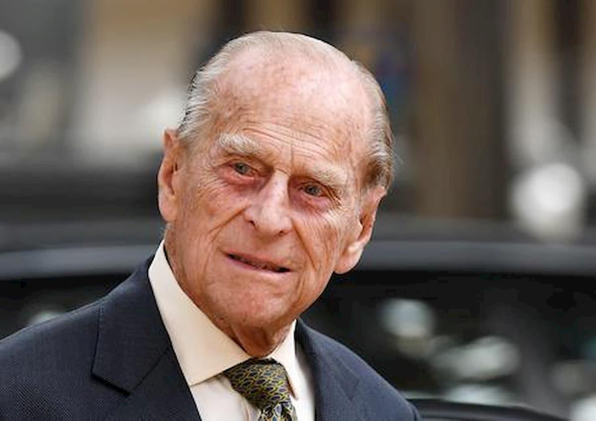Principe Filippo è morto? La frase di Carlo che rilancia il pettegolezzo