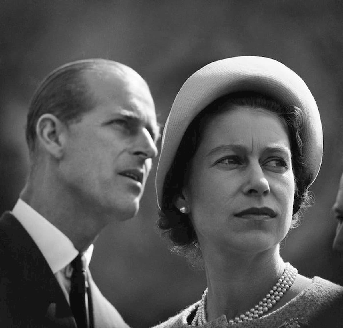 Il principe Filippo si appresta a compiere 99 anni. Come? Semplice pranzo con Elisabetta