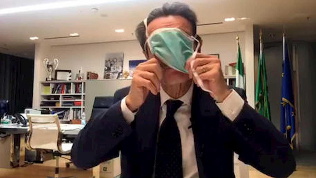 Coronavirus Lombardia, obbligo mascherine altri 15 giorni. Anche all'aperto