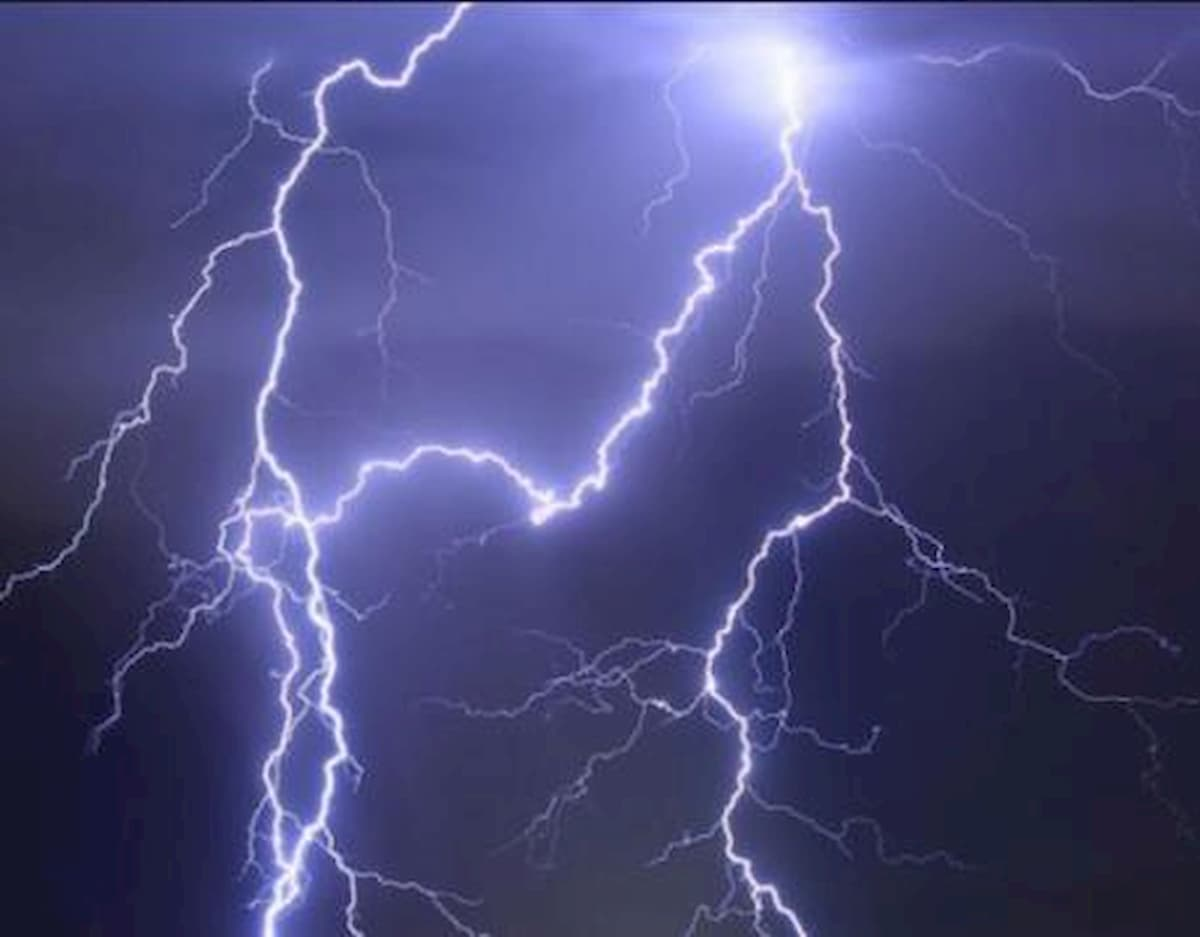 Camerun, fulmini colpiscono e uccidono sei persone