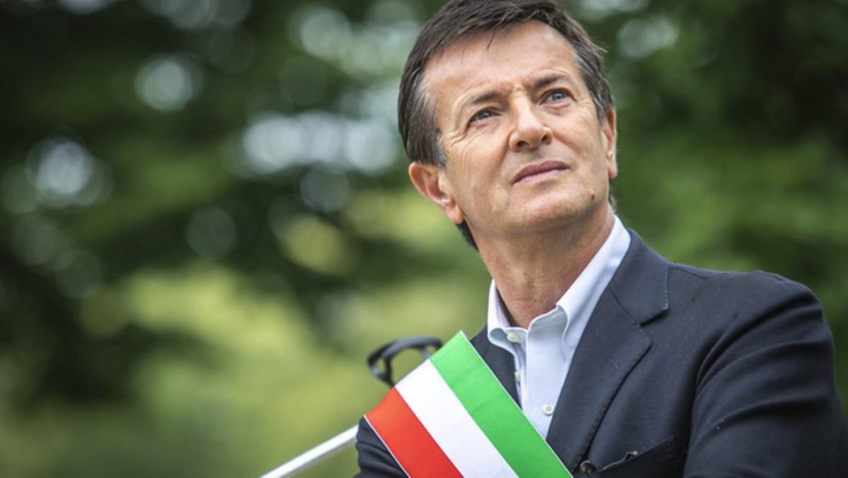 """Lockdown in Lombardia, manifestanti sotto casa di Gori. Sindaco Bergamo: """"Io che c'entro"""""""