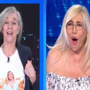 Domenica In, Giovanna Botteri con la maglia con il volto di Mara Venier