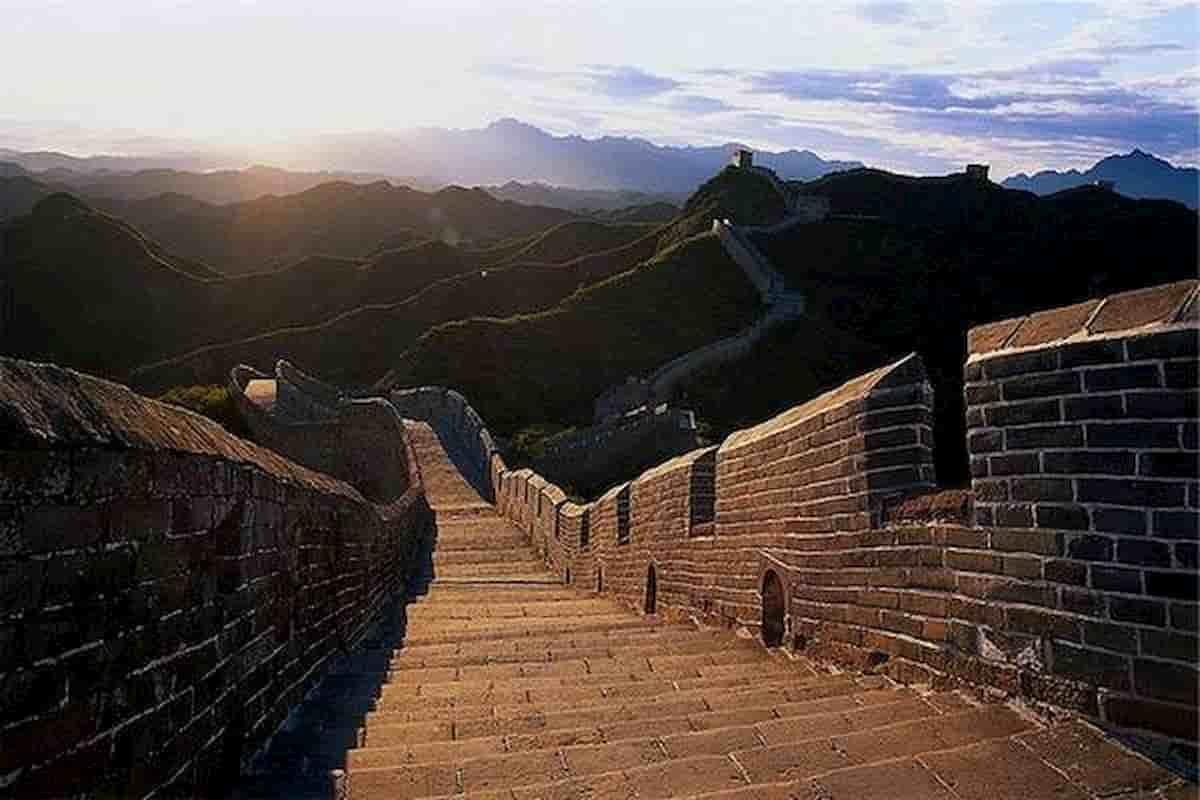 La Grande Muraglia fu costruita per fermare la migrazione dei nomadi