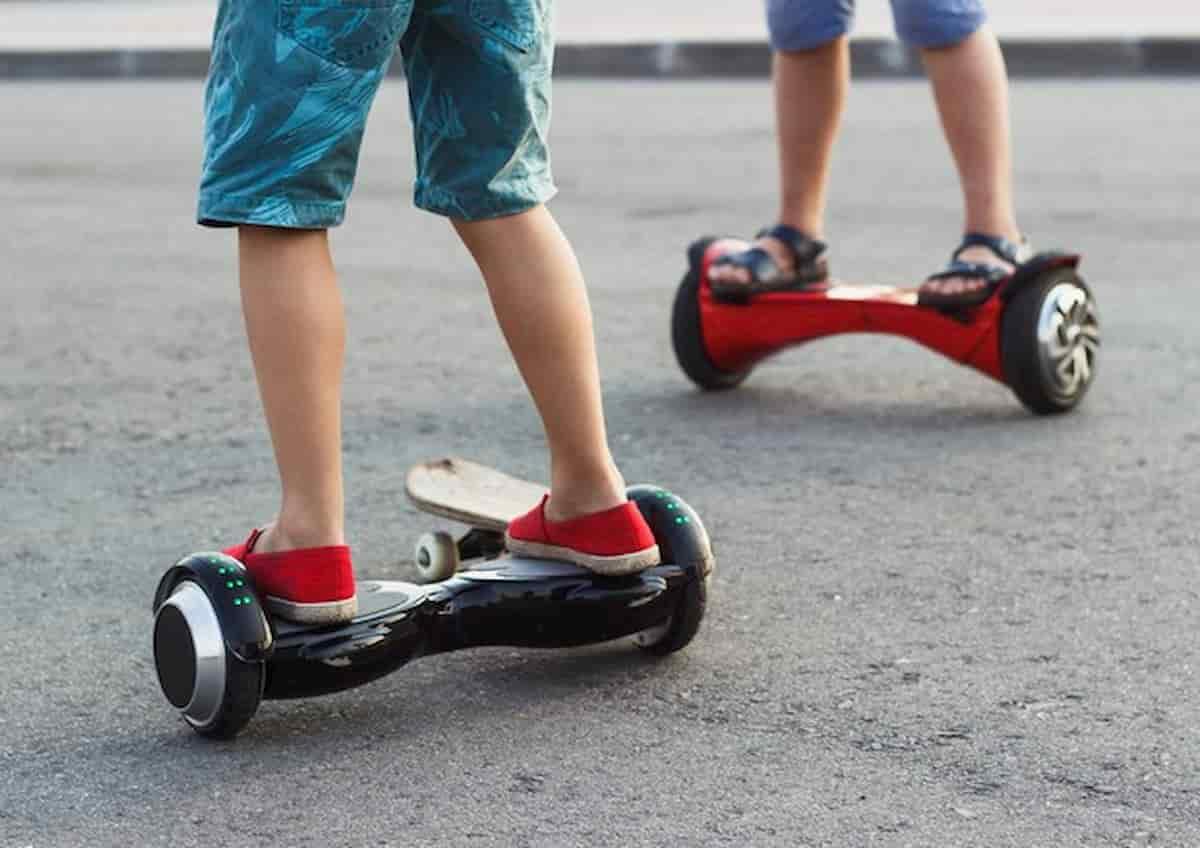 Numana, cade da hoverboard e sbatte la testa: bambino di 7 anni in gravi condizioni
