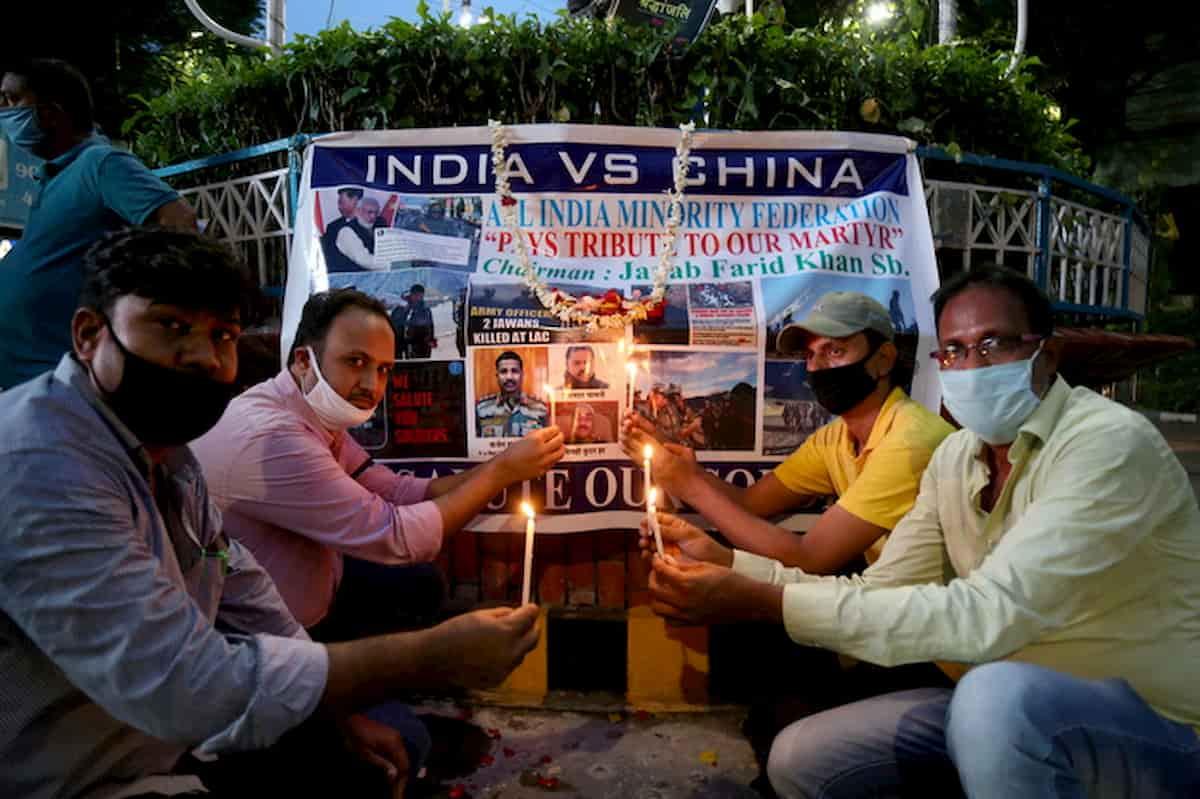 India-Cina: gli scontri al confine con mazze chiodate e kung fu. Guardie disarmate per evitare incidenti