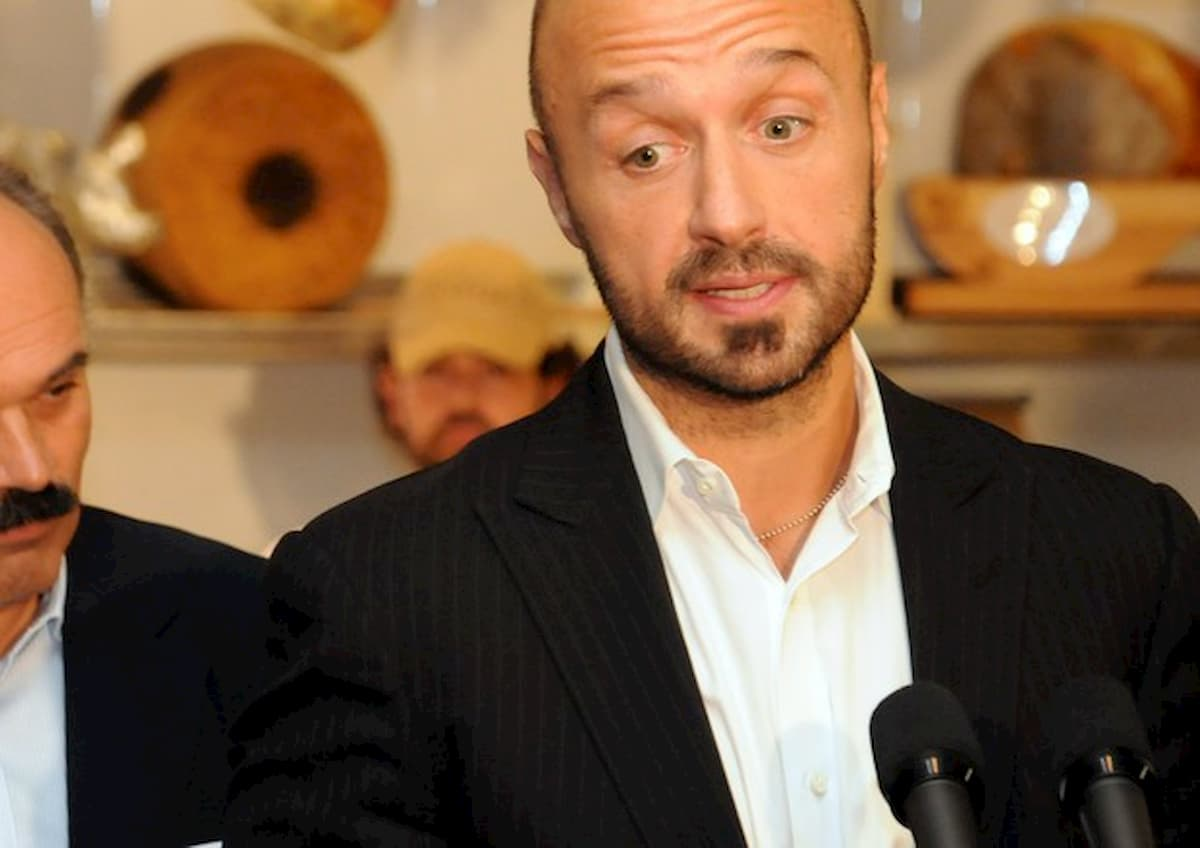 Los Angeles, distrutto ristorante di Joe Bastianich durante le proteste per morte George Floyd