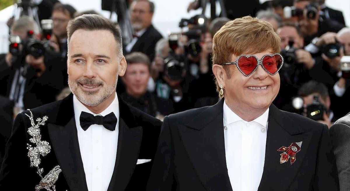 La ex moglie di Elton John, Renate Blauel, gli fa causa