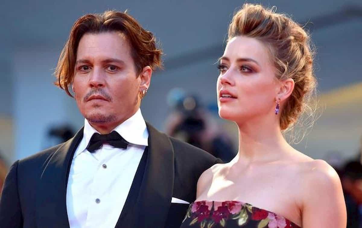 Amber Heard tradiva Johnny Depp con Elon Musk e Cara Delevingne