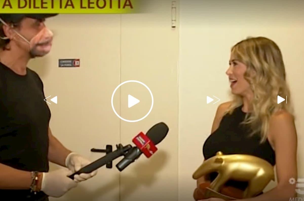 Striscia la Notizia, Tapiro d'oro a Diletta Leotta dopo il furto in casa
