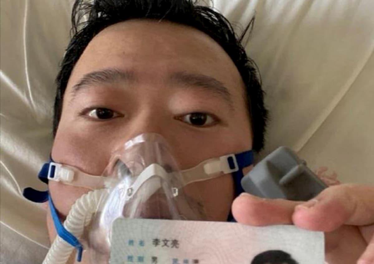 Coronavirus, nato a Wuhan il figlio del medico cinese che per primo diede l'allarme, ma fu represso