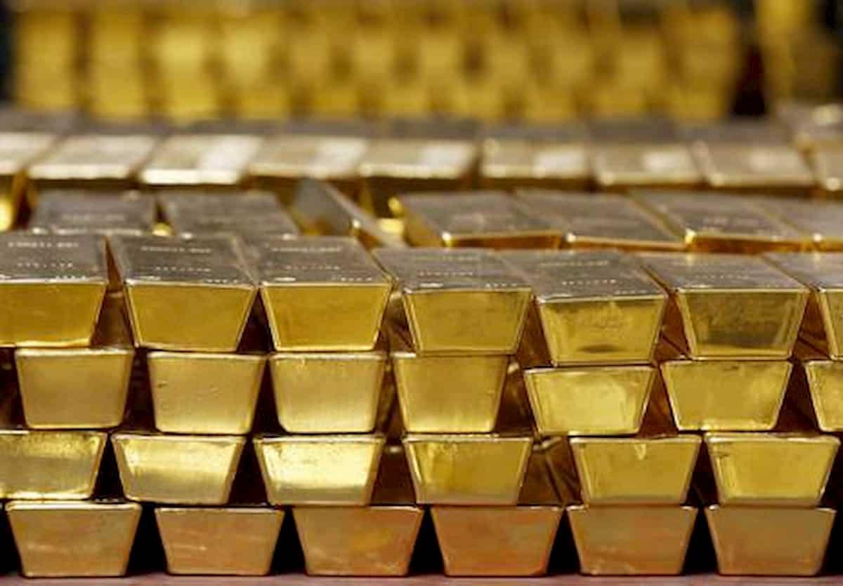 Svizzera, valigia piena d'oro abbandonata in treno. Il proprietario ha 5 anni di tempo per farsi avanti