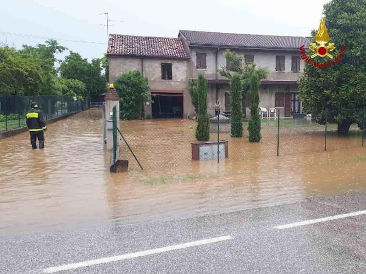 Previsioni meteo, maltempo al Centro-Nord. Allerta su Lombardia e Toscana